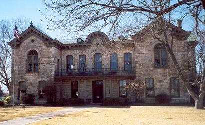 fredericksburgtx1882gillespiecountycourthouse13106tjeanson